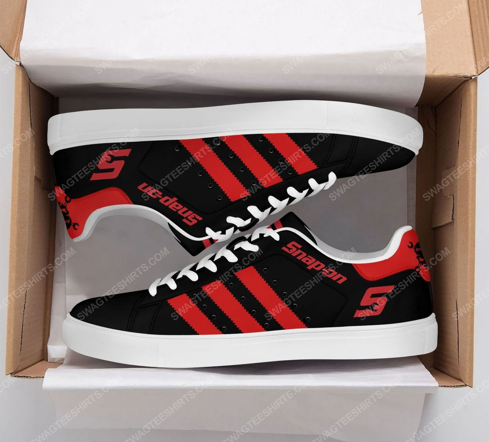 The snap-on version black stan smith shoes
