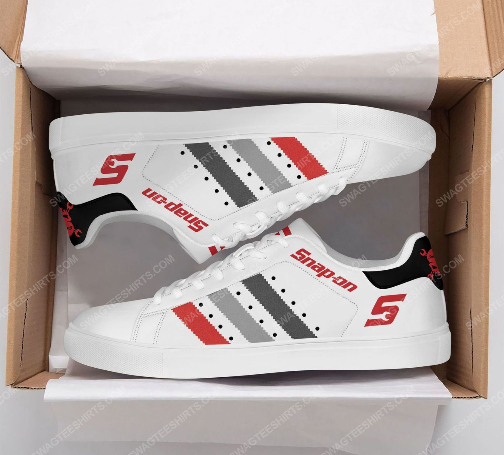 The snap-on version white stan smith shoes